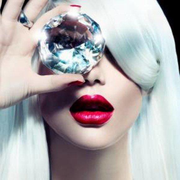 model diamond