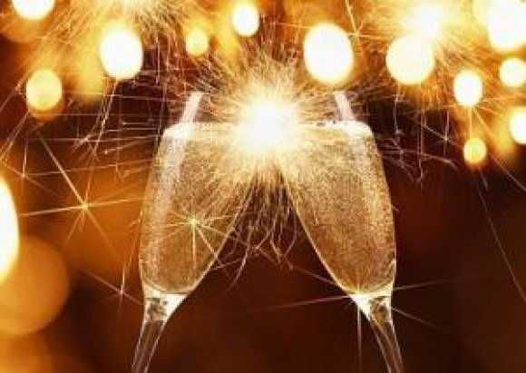 1416850620 party champagne sparkles