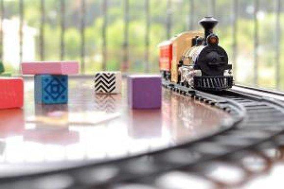 verizon toy train