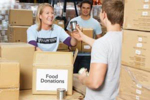 verizon woman food bank