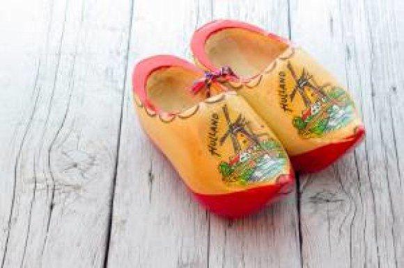 bproper dutch shoes