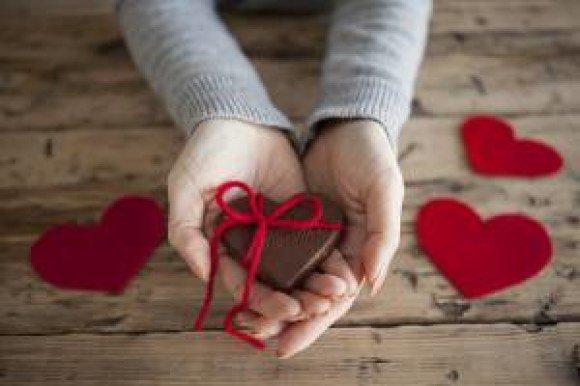 hands hearts valentine